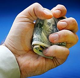 Dollars dans main