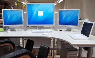 Computer-Desk Multiple Monitors