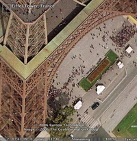 Eiffel_tower_google_earth_1